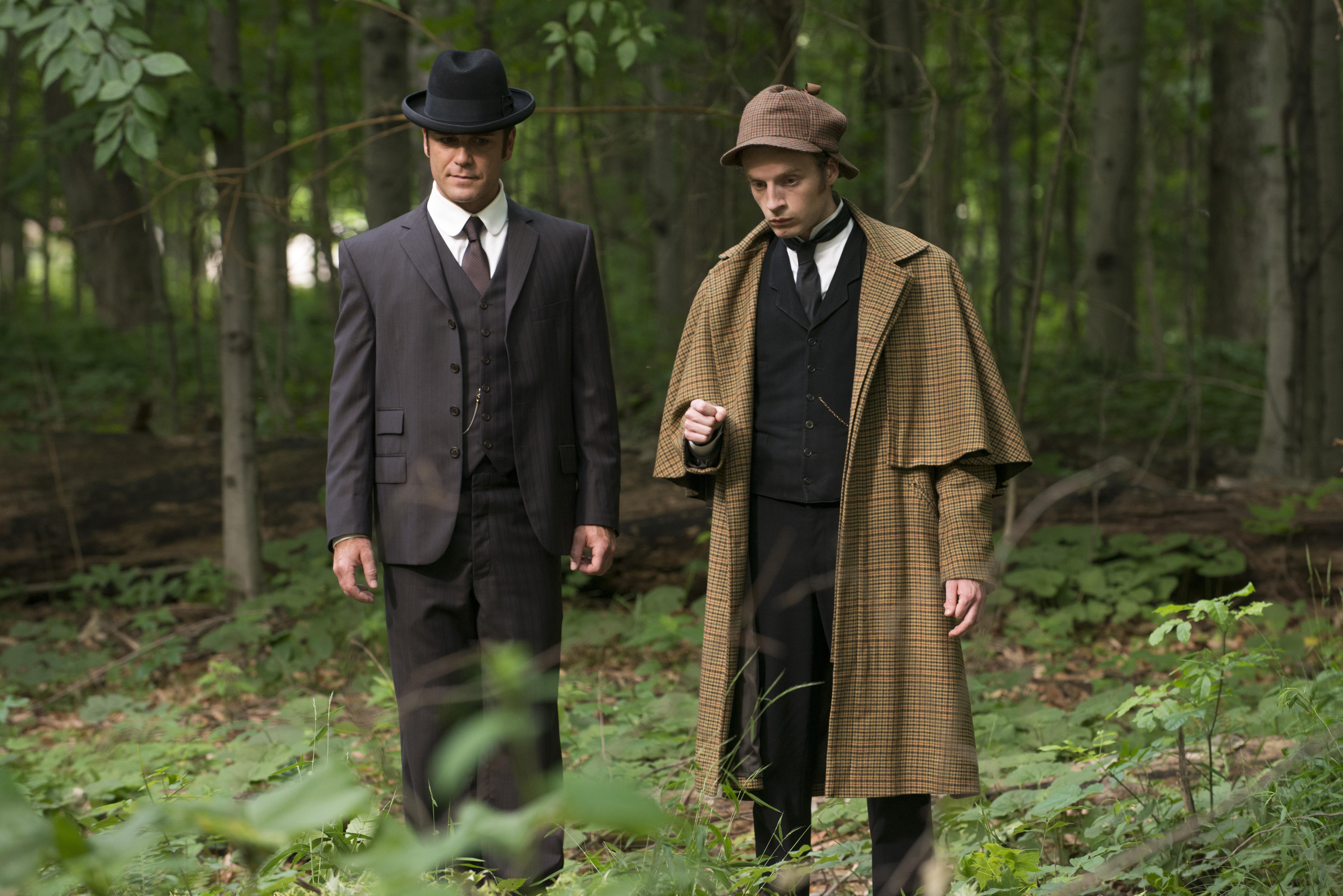 Detective Murdoch and Sherlock Holmes